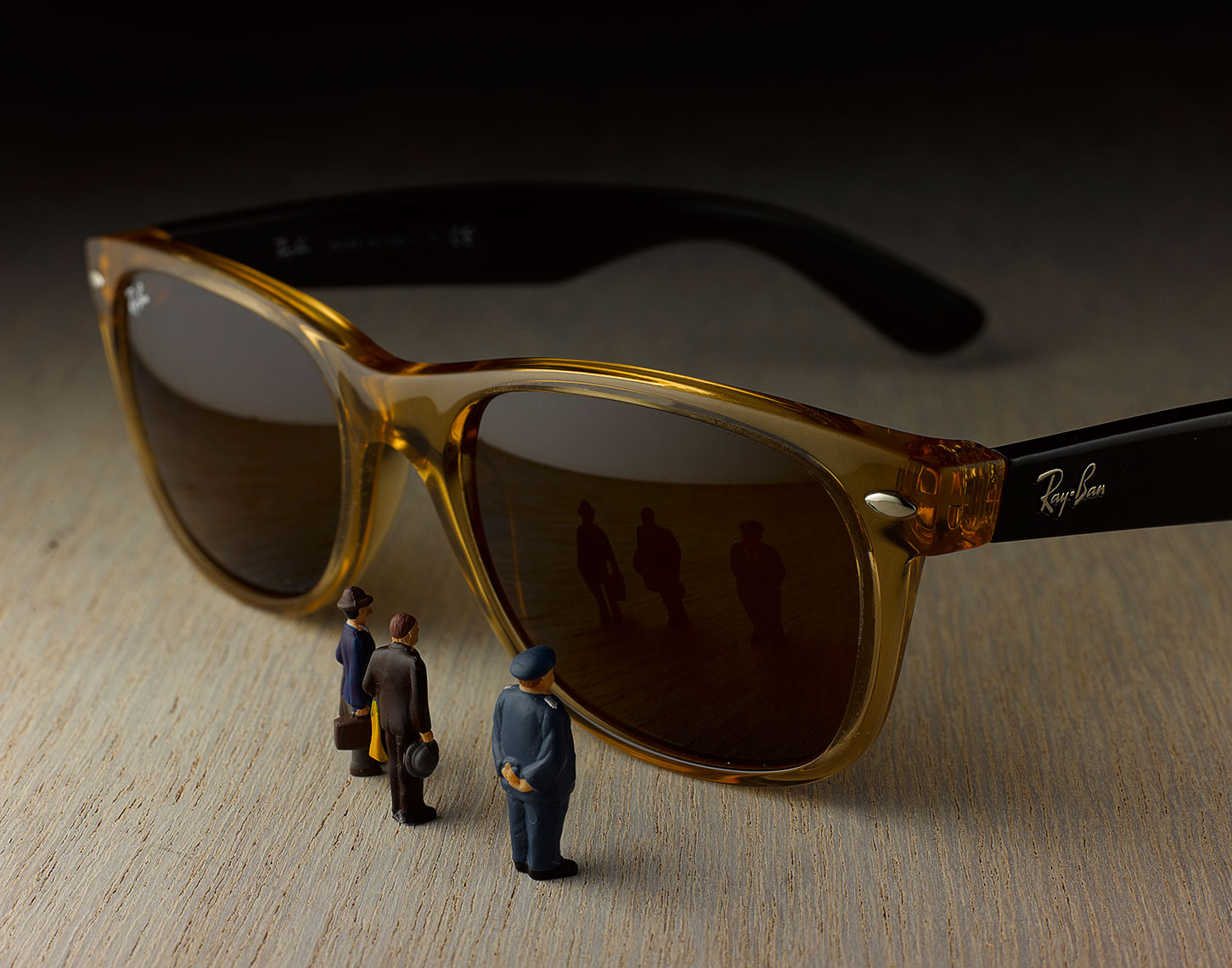 120628_Miniatures_Sunglasses_RT-DUP.jpg